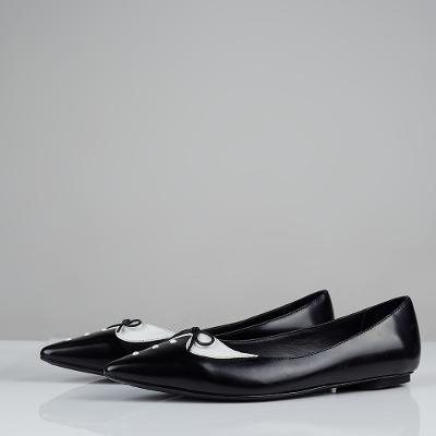 flat shoes black and white